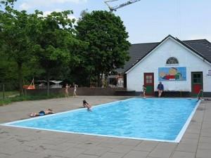 Zwembad camping Kom Es An